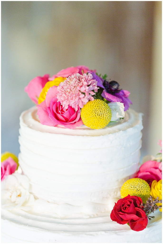 outdoor boho wedding cake