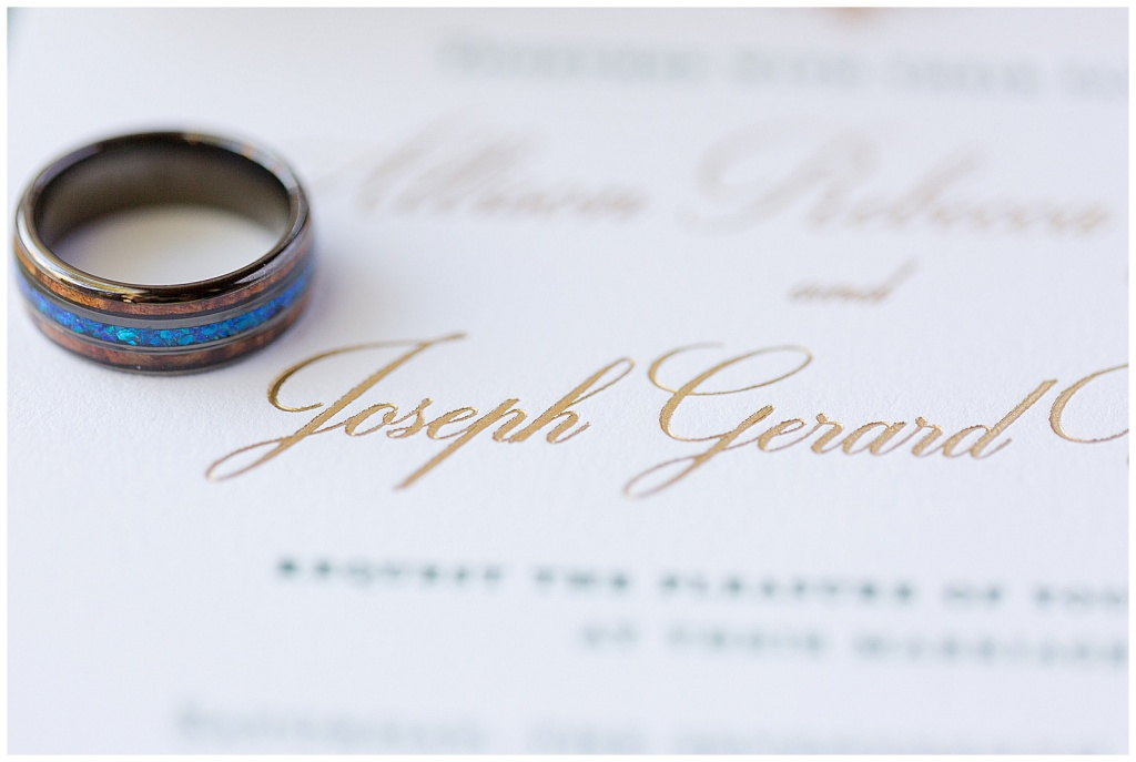 gold invitation lettering
